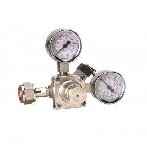 Piston pressure regulator  co2